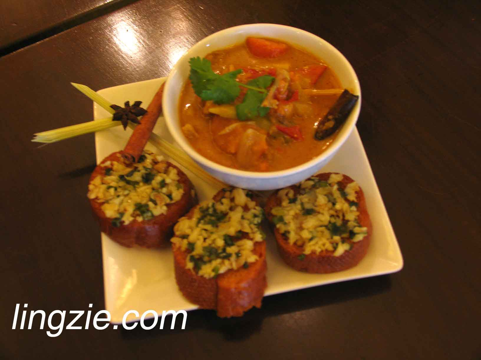 Frog Curry with Garlic Spiced Baguette (RM10.80)