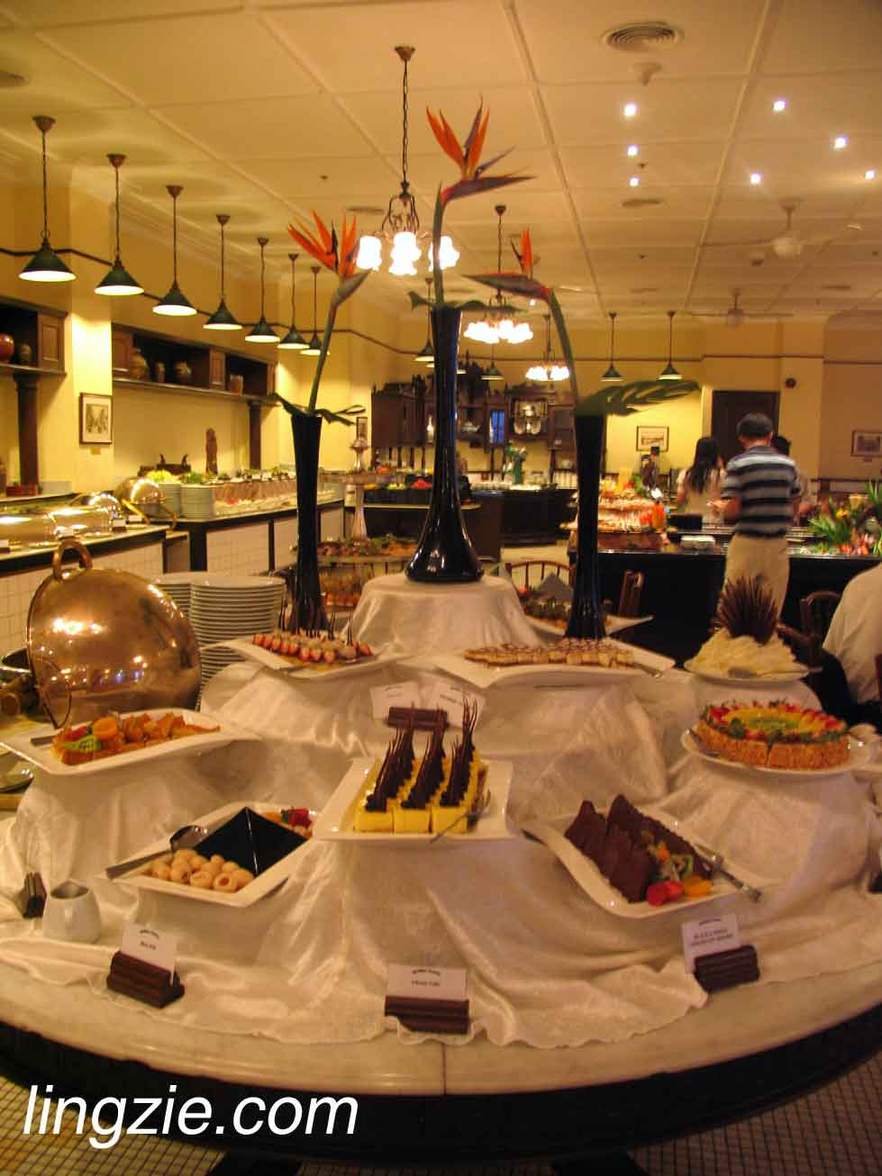 Main dessert table
